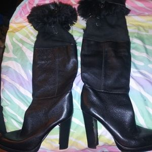 Michael Crone knee-high black boots with fur aroun